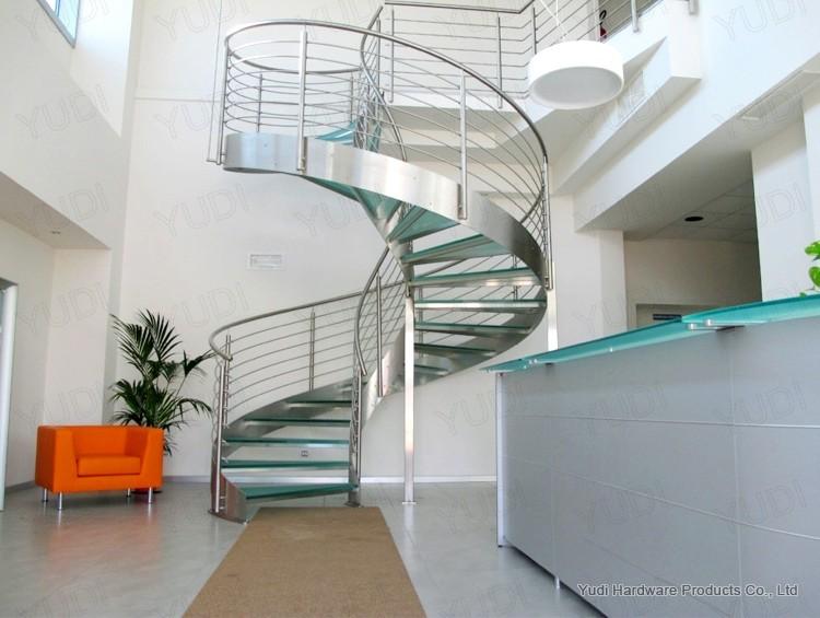 御迪弧形楼梯车间试装 时尚碳钢楼梯螺旋楼梯