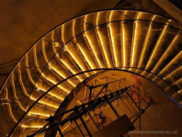 御迪316龙骨钢板弧形楼梯案例
