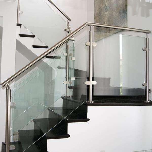玻璃楼梯栏杆  厂家直销 楼梯栏杆定制 楼梯栏杆