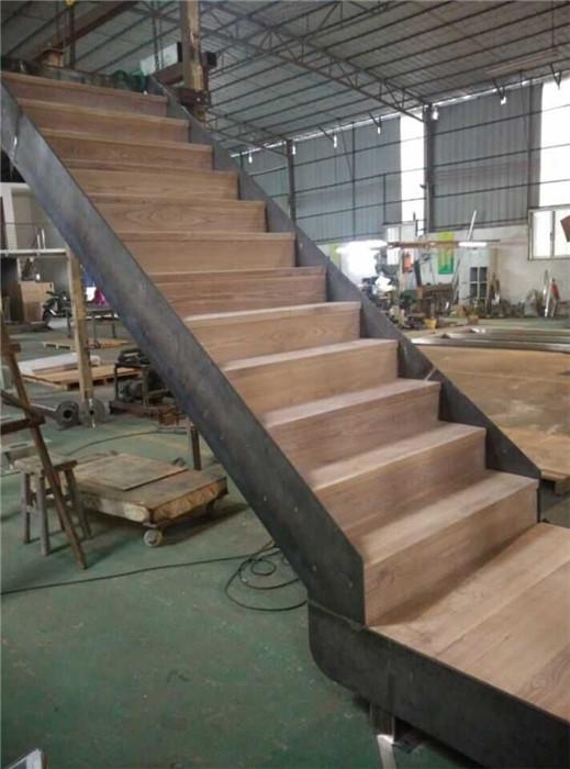 铁板实木踏板直楼梯,YD-TMZ600