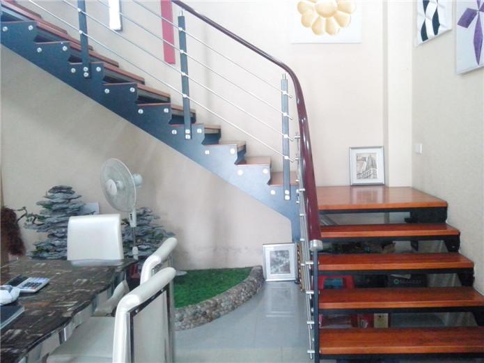 红色踏板不锈钢直梁楼梯,YD-GMZ506