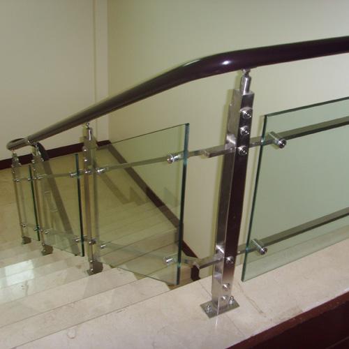 不锈钢玻璃楼梯护栏